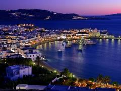 16_The-port-of-Myconos-in-the-blue-hour