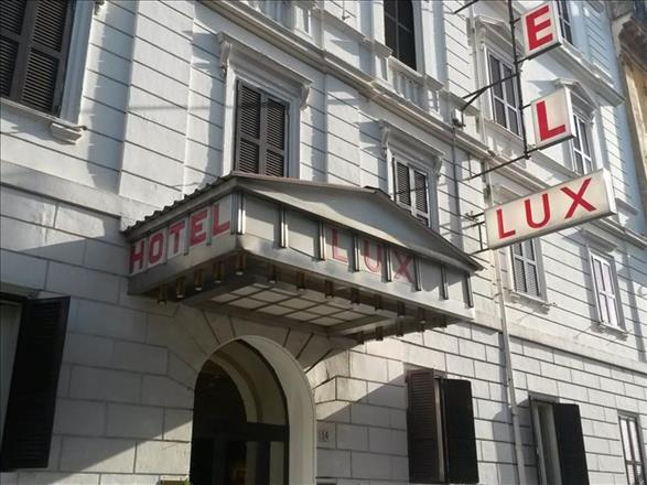 Lux Hotel