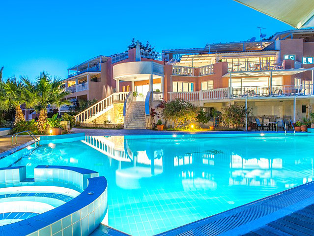 Gerakas Belvedere Hotel & Luxury Suites: Pool