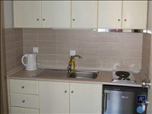 Ntinas Filoxenia Hotel-Apartments: Kitchen
