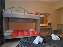 Kapahi Beach Hotel : Double Room Bunk Bed