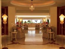 Grecotel Eva Palace: Eclectic Lounges and Bar