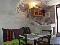 5 bedroom Cave  in Santorini  RE0289