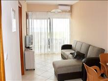 2 bedroom Flat  in Paralia Dionysioy   RE0401